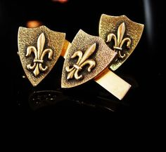 Hey, I found this really awesome Etsy listing at https://www.etsy.com/listing/460217958/vintage-fleur-de-lis-cufflinks-tie-clip