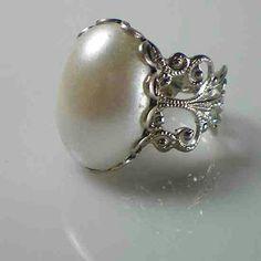 Ann Boleyns pearl ring.