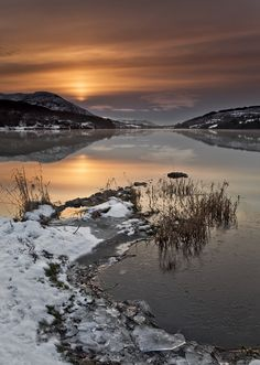 Winter Sunrise by Gary McParland, Camlough Lake in Co Armagh, N Ireland on a cold winter morning.