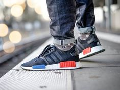 Adidas NMD Runner 1 Primeknit Core Black pas cher (2). Mindwide · Shoes 5a6766910a8c