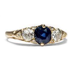 Klassische Kombination - Viktorianischer Gold-Ring mit Saphir & Diamanten, Großbritannien um 1880 von Hofer Antikschmuck aus Berlin // #hoferantikschmuck #antik #schmuck #Ringe #antique #jewellery #jewelry // www.hofer-antikschmuck.de