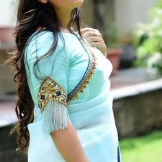 Latest blouse sleeve design - The handmade craft Best Blouse Designs, Simple Blouse Designs, Stylish Blouse Design, Saree Blouse Neck Designs, Sleeves Designs For Dresses, Sleeve Designs, Designer Blouse Patterns, Dress Patterns, Sarees