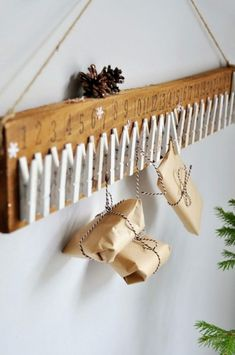 Advent calendar for children – DIY activity ideas and / or small gifts p @ n @ k @ Informations About Calendrier de l'Avent pour … Advent Calendars For Kids, Diy Advent Calendar, Kids Calendar, Calendar Ideas, Homemade Advent Calendars, December Calendar, All Things Christmas, Winter Christmas, Christmas Holidays
