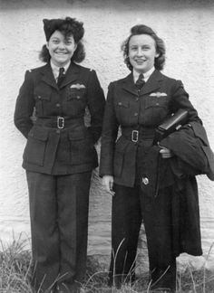 Violet Milstead of Toronto was a ferry pilot, one of the few Canadian women who served with the Air Transport Auxiliary in Britain during World War Two. Ww2 Women, Military Women, Female Pilot, Female Soldier, Vintage Photographs, Vintage Photos, Pat Patterson, The Blitz, Battle Of Britain