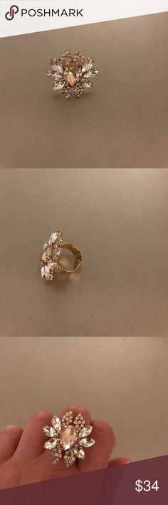 Nordstrom stunning ring Flattering ring! Makes eyes turn! Best part is its adjustable Nordstrom Jewelry Rings
