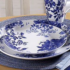 Find country dinnerware, home decor, bed & bath, furniture & gifts. Our convenient credit plan makes it all affordable at Through the Country Door. Blue And White China, Blue China, Love Blue, White Dishes, Blue Dishes, Blue And White Dinnerware, Pumpkin Decorating, China Dinnerware, White Decor