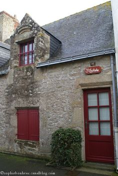 Piriac volets rouges,   Loire-Atlantique. Brittany