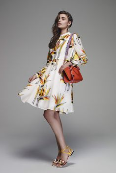 Fendi - Resort 2016 - Look 3 of 35?url=http://www.style.com/slideshows/fashion-shows/resort-2016/fendi/collection/3