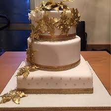 maroon gold wedding cake - Google Search