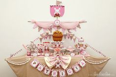 beautiful pirate party table for a little girl