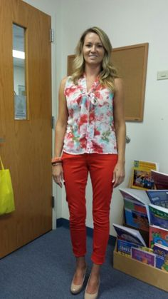 Blog of a teacher's wardrobe! I cannot stop looking at all of her outfits....they are ALL adorable! Giving me great ideas!