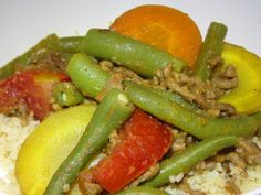 Tomaten-Fisolen-Faschiertes mit Couscous