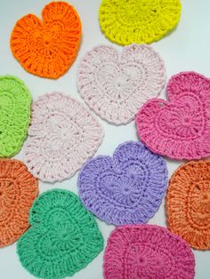 Knitted Heart Pattern For Beginners : 1000+ images about CROCHET HEARTS on Pinterest Crochet ...