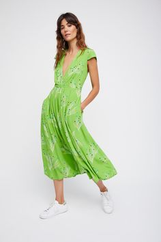 Shop our Printed Retro Midi Dress at FreePeople.com. Share style pics with FP Me, and read & post reviews. Free shipping worldwide - see site for details.