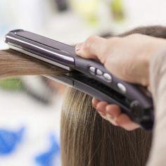 Haare glätten: Der eine Glätteisen-Fehler, den wir fast alle machen