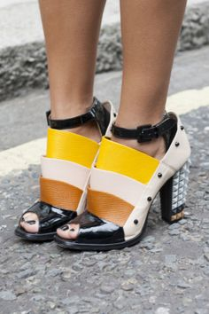 Now THOSE are shoes #fendi