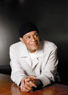 Al Jarreau - 7 Time Grammy Award Winning Jazz / Crossover Legend! One of my all time favorites--went on the road with him for the Playboy Jazz Festival national tour. Soul Music, Music Love, Music Is Life, My Music, Opera Music, Jazz Artists, Jazz Musicians, Music Artists, Soul Funk