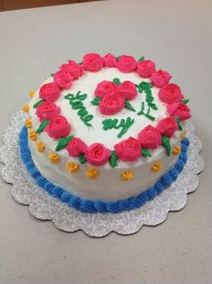 Caroline D. made a beautiful rosé cake in Course 1 - Decorating Basics at AC Moore in Davie, FL . Call Mona at for more info Cake Decorating Classes, Wilton Cake Decorating, Gum Paste Flowers, Wilton Cakes, Rose Cake, Courses, Beautiful Roses, Let Them Eat Cake, Ac Moore