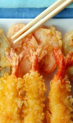 El tempura es la fritura rápida japonesa. Esta rica receta es de camarones tempura. Acompañe con una rica salsa de soya.
