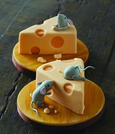 Mice with cheese cakes