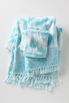 Set 2 winter fir trees hand towels NWT; white silver tones Turkish cotton terry
