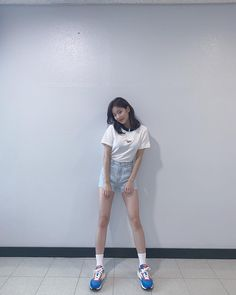 Extended Play, Fashion Pictures, Girl Pictures, South Korean Girls, Korean Girl Groups, Lee Sung Kyung Fashion, Idol, Korean Aesthetic, Pretty Asian
