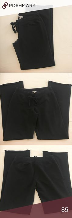 Old Navy Sweatpants Lightweight, stretchy material made of 63% cotton, 32% polyester, 5% spandex. Used but still in good condition. No holes, tears, or stains, just slight/normal overall fading from washing. Old Navy Pants Track Pants & Joggers