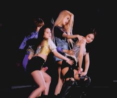 Find images and videos about gif, blackpink and jennie on We Heart It - the app to get lost in what you love. Blackpink Video, Foto E Video, Yg Entertainment, South Korean Girls, Korean Girl Groups, 26th Seoul Music Awards, Blackpink Icons, Mode Rose, Black Pink Kpop