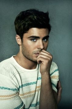 Zac Efron, the 'slow burn' of the people variety. Perfect People, Pretty People, Beautiful People, Model Tips, Look Man, Le Male, High School Musical, Raining Men, Actor