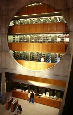 Phillips Exeter Academy Library - Interior