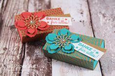 Heute habe ich zwei kleine Matchboxen bzw. Schiebeboxen für Euch, die mit dem Envelope Punch Board gebastelt werden. Ich habe dafür wieder das Besondere Designerpapier Sommerglanz verwendet, da es ...