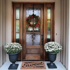 35 Gorgeous Farmhouse Front Door Entrance Design Ideas To Apply Asap - Front Door Ideas Wood Front Doors, Front Door Entrance, Exterior Front Doors, Front Door Colors, Front Door Decor, Entry Doors, Farmhouse Front Doors, Front Entry, Front Door With Glass