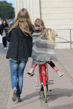 like mother like daughters #dansk #cycle #chic