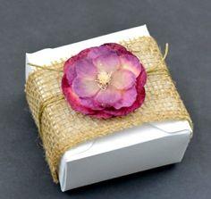 Dragées de mariage boite avec fleur