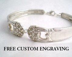 Spoon Bracelet Vintage Silverware Jewelry by monpetitchouboutique Silverware Jewelry, Spoon Jewelry, Jewelry Art, Jewelry Gifts, Jewelery, Jewelry Accessories, Vintage Jewelry, Women Jewelry, Unique Jewelry