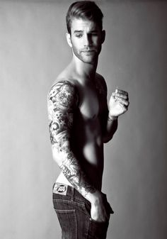 Grace Kelly Cam Gigandet Keira Knightley Andre Hamann, all time favorite and the reason for our cold showers - Hot Guys With Ink. Andre Hamann, Pose, Look Man, Raining Men, Body Modifications, Photos Du, Attractive Men, Man Crush, Beautiful Tattoos
