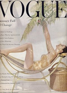 Cover photo by John Rawlings, Vogue, July 1955 Vogue Vintage, Vintage Vogue Covers, Moda Vintage, Vintage Swim, Vogue Magazine Covers, Fashion Magazine Cover, Fashion Cover, Vogue Fashion, 1950s Fashion