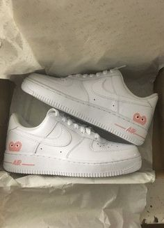 Trendy Sneakers Nike Air Force 1 Custom C . - Bella - - Trendy Sneakers Nike Air Force 1 Custom C . Vans Converse, Souliers Nike, Sneakers Fashion, Fashion Shoes, Fashion Clothes, Moda Sneakers, Aesthetic Shoes, Makeup Aesthetic, Hype Shoes
