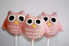 A Hoo-tastic Time!: These adorable owl pops ($40/dozen) are made-to-order in the color of your choosing. Just be sure to order at least a week in advance of your event.