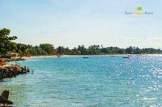 A Ilha de Itaparica fica a 20 minutinhos de barco de Salvador. São mais de 40 km de belas praias. Uma escapadinha incrível!! Saiba mais >>> http://www.guiaviagensbrasil.com/ba/ilha-de-itaparica/