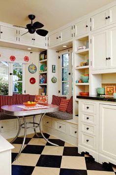 Ideas For Kitchen Retro Decor Checkered Floors Kitchen Nook, New Kitchen, 1930s Kitchen, Modern Retro Kitchen, Retro Kitchen Decor, Kitchen Tile, Retro Kitchen Tables, Kitchen Cabinets, Kitchen Grey