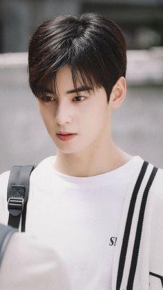 Best Two Block Haircut for Men Eun Woo Asian Actors, Korean Actors, Two Block Haircut, Lisa Black Pink, Cha Eunwoo Astro, Astro Wallpaper, Lee Dong Min, Park Bo Gum, Park Jinyoung