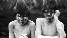 Arturón and Antonio, young initiates Hain during the 1923 ceremony, Tierra del Fuego. Photo of Martin Gusinde. Latina, Native American Genocide, American Indians, Australian Aboriginals, Melbourne Museum, American Gods, Prado, Great Pictures, Tribal Art
