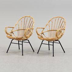 A pair of rattan easy chairs, second halff of the 20th century.
