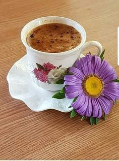Coffee Vs Tea, Coffee Cafe, Coffee Shop, Gif Café, Slimming Green Tea, Coffee Biscuits, Good Morning Coffee, Coffee Pictures, Coffee Photography