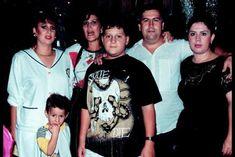 Is this the last known photo of Pablo Escobar alive? Pablo Emilio Escobar, Pablo Escobar Wife, Don Pablo Escobar, Narcos Escobar, Colombian Drug Lord, Manolo Escobar, Carlo Gambino, Picasso Pictures, Mafia Crime