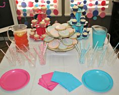 all things katie marie: Gender Reveal Party Gender Party, Baby Gender Reveal Party, Baby Shower Crafts, Baby Girl Shower Themes, Baby Shower Drinks, Baby Shower Parties, Cupcakes For Boys, Reveal Parties, Party Planning