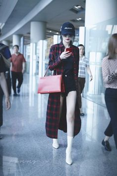 Fashion Idol, New Fashion, Girl Fashion, Fashion Outfits, Ulzzang Fashion, Kpop Fashion, Asian Fashion, Korean Airport Fashion, Western Dresses