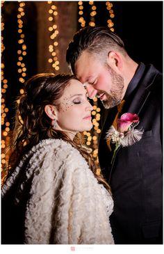 Mariage / Wedding – Bal masqué de  nuit / Masquerade Night backyard falls wedding