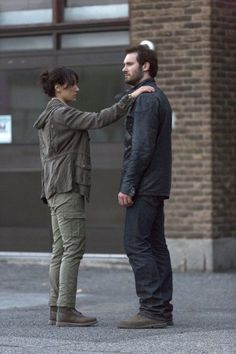 Jennifer Beals and Clive Standen in Taken Frank Rodriguez, Bryan Mills, Jennifer Beals, The L Word, Alternative Fashion, Season 1, Tv Shows, The Incredibles, Actresses